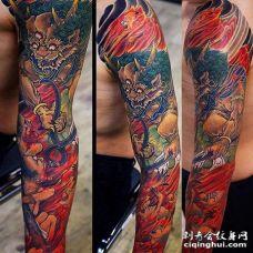新传统胳膊唐狮纹身图案
