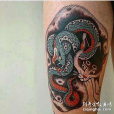 新传统大腿猫蛇纹身图案
