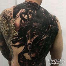 新传统后背武士纹身图案