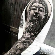 新传统大臂佛纹身图案