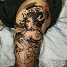 新传统大腿艺伎纹身图案
