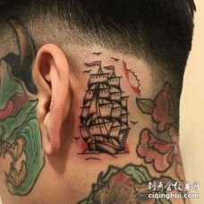 Old School耳后帆船纹身图案