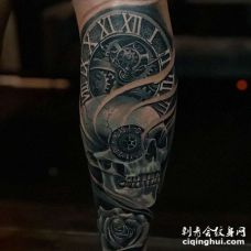 小腿包围黑灰骷髅与钟表