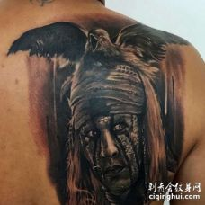 背部写实黑灰人像与鹰