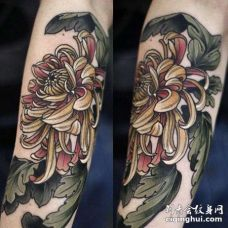小臂内侧写实花朵