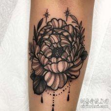 小臂内侧线描花朵