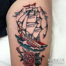 大腿前侧old school风格帆船与花朵