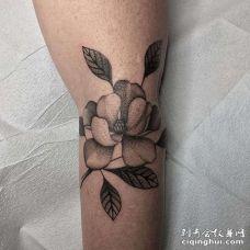 小腿后侧点刺花朵