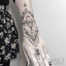 几何手腕繁花纹身图案