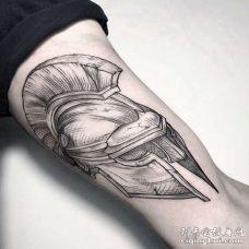 线条大腿头盔纹身图案