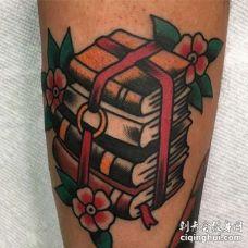 Old School小腿书纹身图案