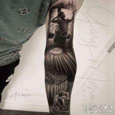 写实大臂人像建筑纹身图案