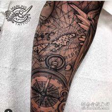 点刺小腿指南针纹身图案