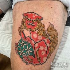 日式大腿唐狮纹身图案