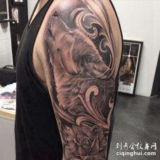 写实大臂狼纹身图案