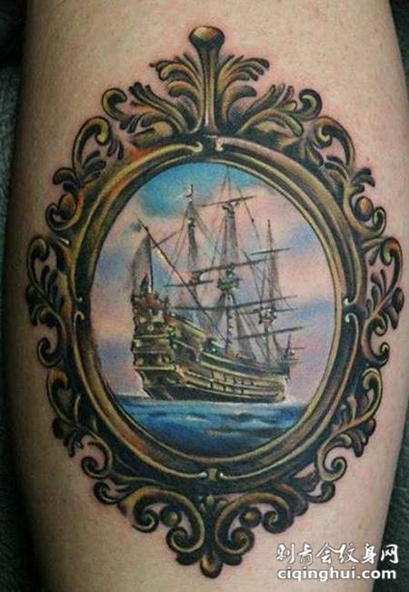 铜镜里的海洋帆船纹身图案