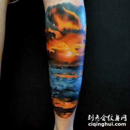 小腿浪漫的彩色海洋日落纹身图案