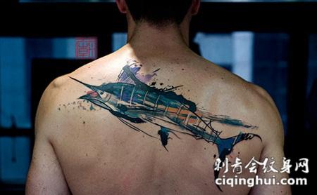 背部现代风格的彩色海洋鱼类纹身图案