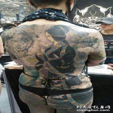 满背仕女纹身图片