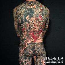 通体纹身 传统风格的满背通体纹身作品图案