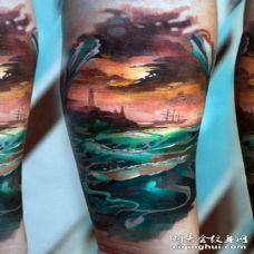 彩色海洋日落纹身图案