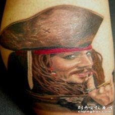 腿部彩色杰克·斯帕罗船长肖像纹身