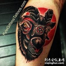 腿部老校色与撒旦山羊纹身图案