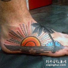 脚背彩色简单自制海洋日落与棕榈树纹身
