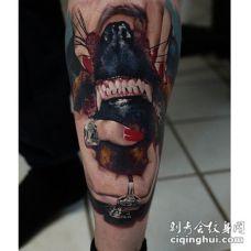 小腿写实逼真的狗狗牙齿和人手纹身图案