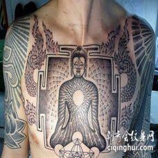 胸部如来佛祖与佛教象征纹身图案