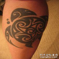 小腿部落乌龟图腾纹身图案