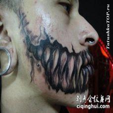 脸部恐怖电影风格黑色怪物牙齿纹身图案