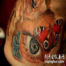 美丽多彩的逼真眼睛和蝴蝶纹身图案
