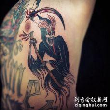 侧肋五彩神秘的血腥死亡鬼纹身图案