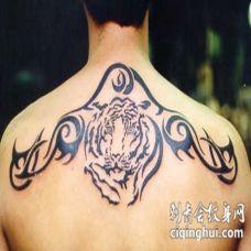 背部部落图腾与虎头纹身图案