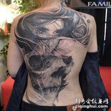 背部独特的黑色骷髅与女性肖像纹身图案