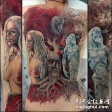 背部惊人的五彩妖怪树和人像纹身图案