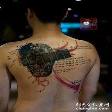 背部赌博轮盘与字母骷髅彩色纹身图案