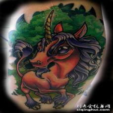 可爱幻想卡通彩色麒麟宝宝纹身图案