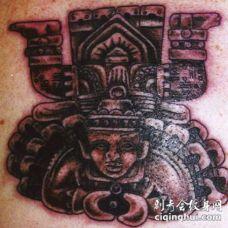 阿兹特克的神石人像纹身图案