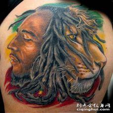 彩色的半人像半狮子纹身图案