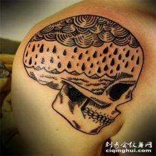 大臂黑色的雨滴海面骷髅纹身图案