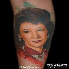 甜美的彩色亚洲女性肖像纹身图案