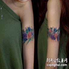 手臂好看的彩色花朵臂环个性纹身图案