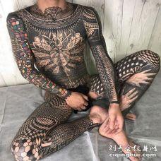 纹身全身图 男生全身几何和花纹纹身图片