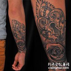 new school小臂玫瑰与心形锁纹身图案