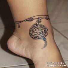有趣的部落符号脚链纹身图案