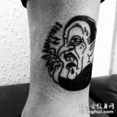 黑白搞笑的德古拉伯爵与字母脚踝纹身图案