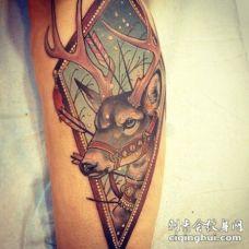 可爱的圣诞老人驯鹿纹身图案