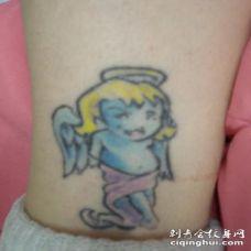 婴儿天使彩色脚踝纹身图案